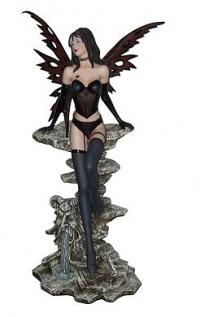 Dark Fairy Divina