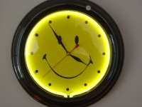 "NEON Wanduhr ""SMILEY"""