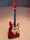 Miniatur Gitarre r/w